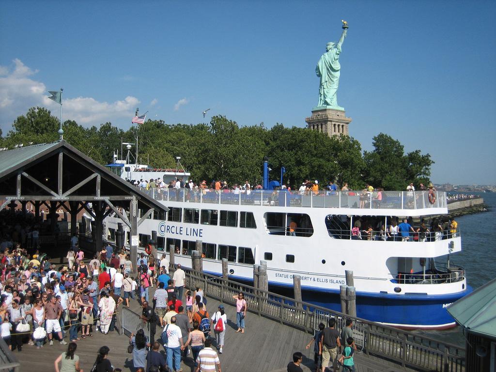 Statue-of-Liberty-cruises