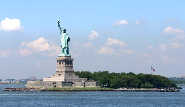 Statue-of-Liberty-in-liberty-island-new-york