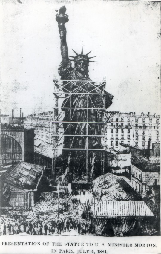 presentation-of-the-statue-to-US-minister-Morton-in-paris-4th-july-1881