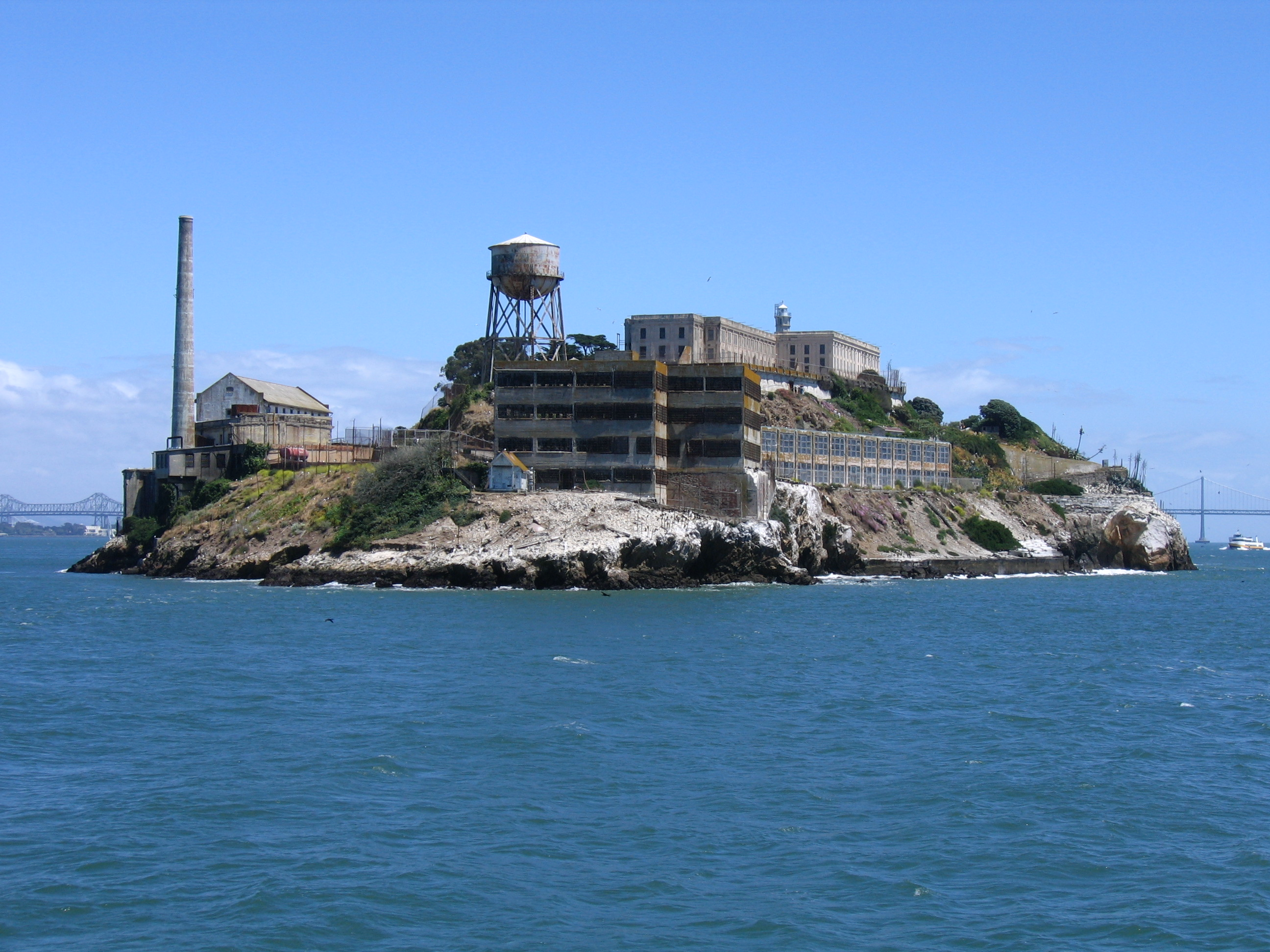 a history of the alcatraz island fort and prison in the united states of america Alcatraz was definitely the most famous prison in the history of the united states even today, 55 years after the prison was decommissioned, alcatraz island is one of san francisco's most visited tourist attractions.