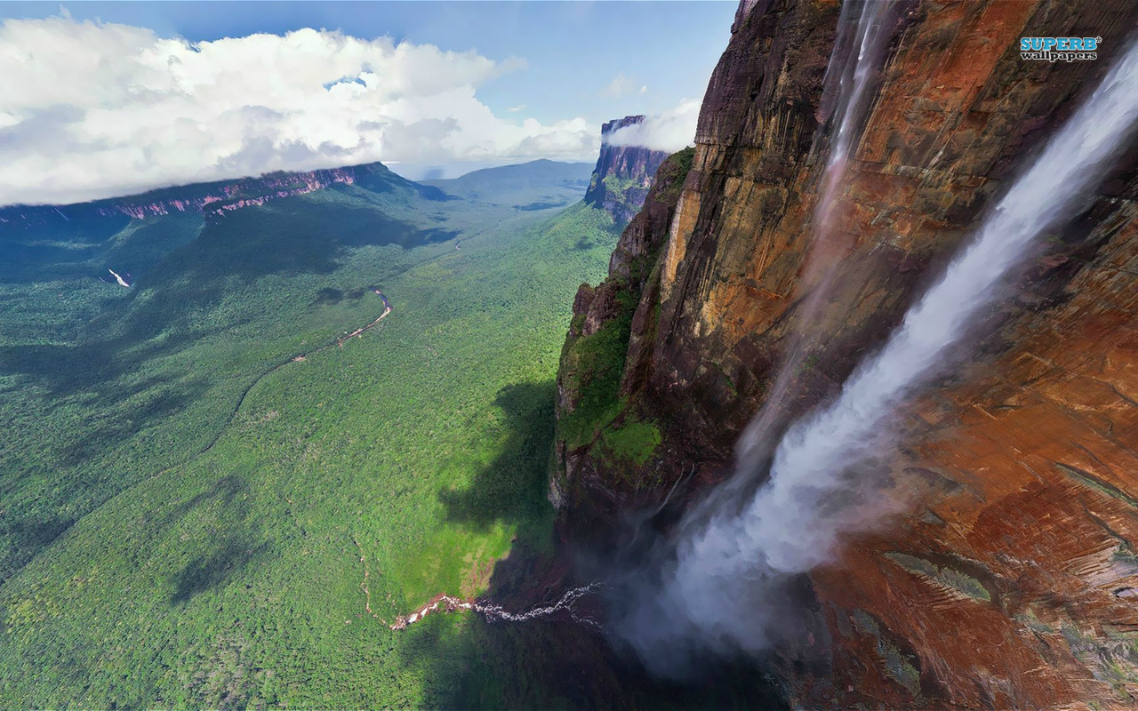 Angel-falls-common-Spanish-name-Salto-Ángel