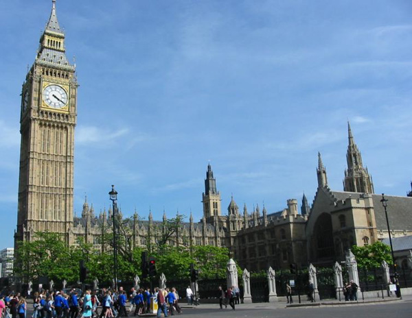 Big-Ben-is-one-the-most-visited-tourist-location-in-UK