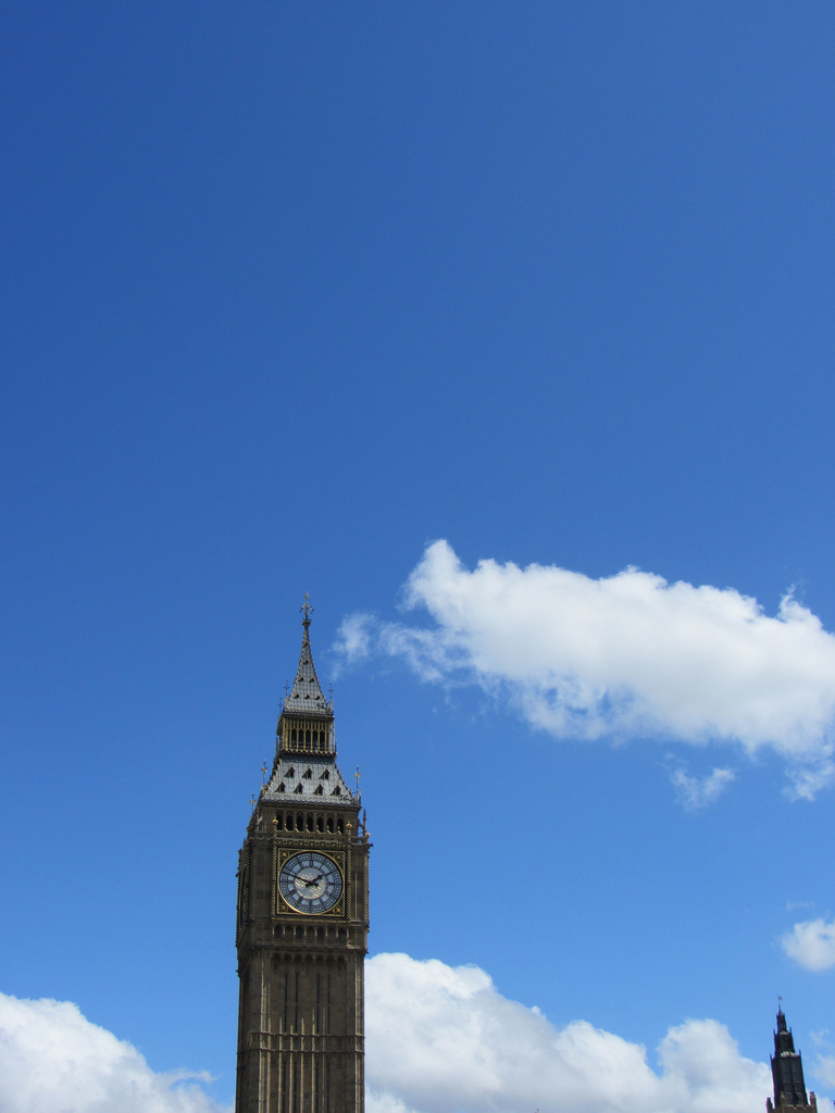Big-Ben-runs-by-gravity