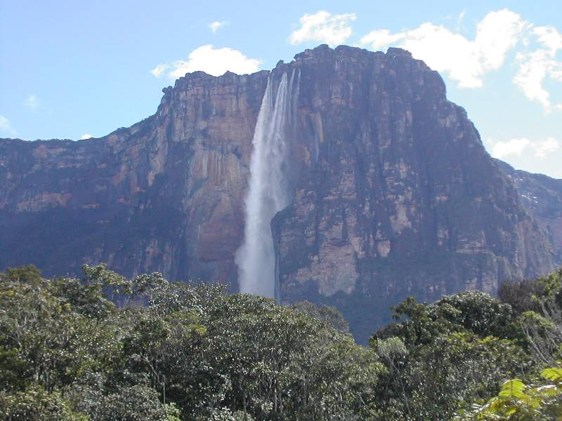Kerepakupai-Vena-meaning-waterfall-of-the-deepest-place-Angel-falls-planned-to-be-named-as- Pemon