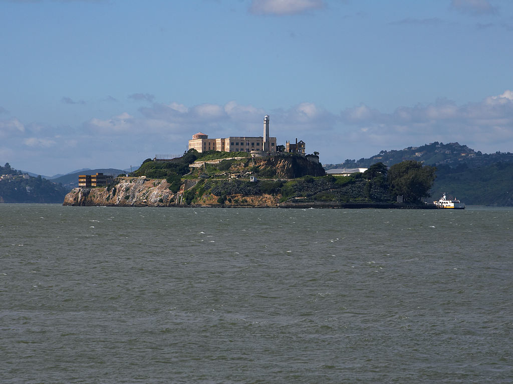 alcatraz-island-has-lighthouse-which-was-installed-in-1854