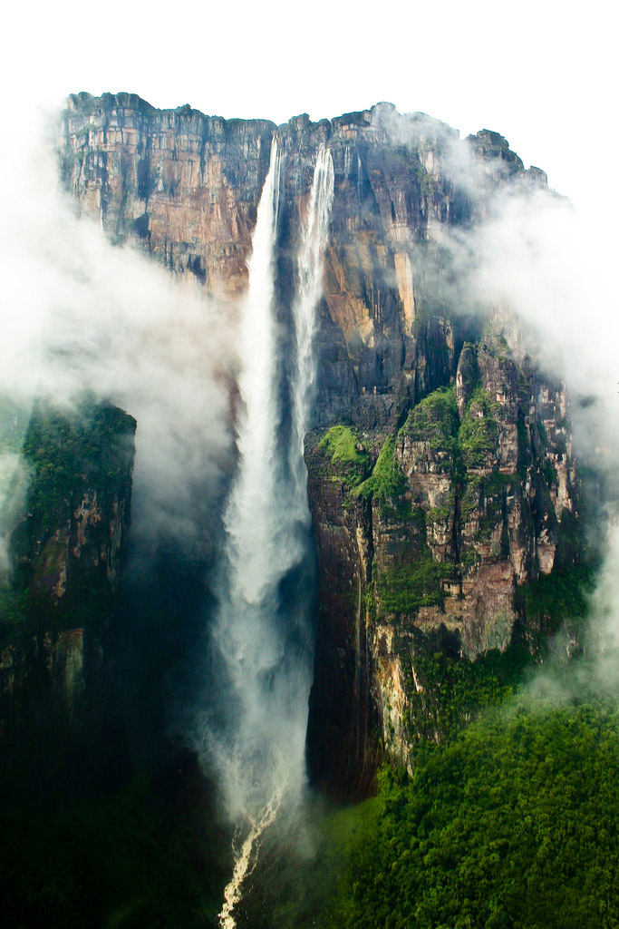 angel-falls-official-height-979-metres-(3,212 ft)
