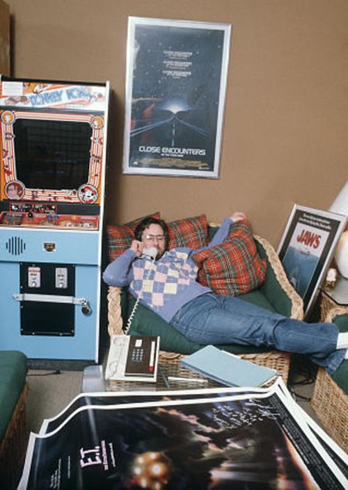 Steven-Spielberg-in-his-room