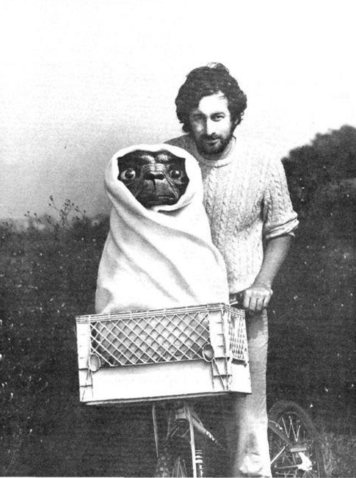 Steven-Spielberg-with-ET