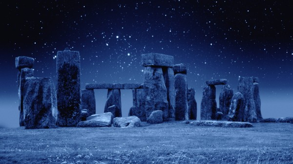 Stonehenge-in-a-starry-night