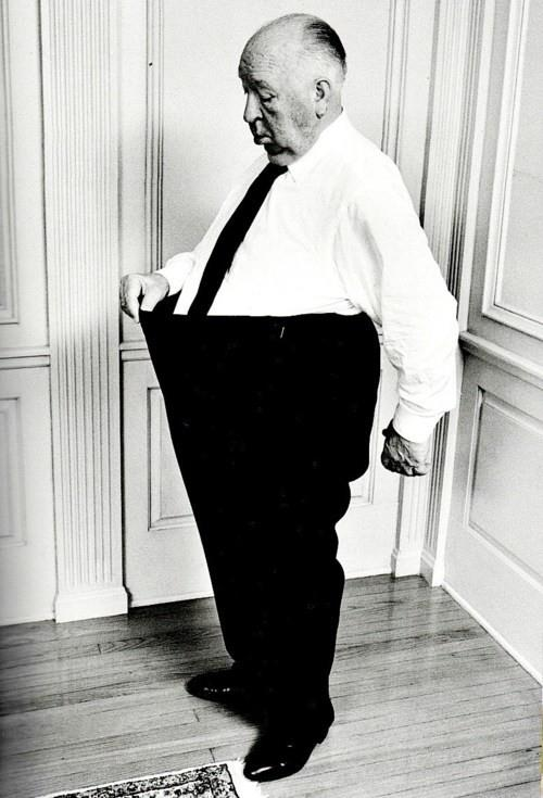 Alfred-Hitchcock-pull-his-pant