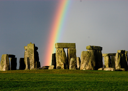 rainbow-in-spring-season-at-stonehenge
