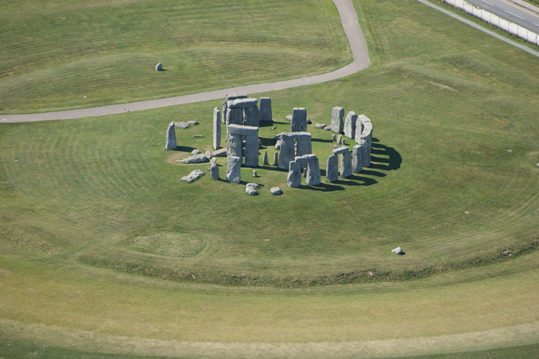 stonehenge-from-helicopter