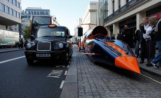 Bloodhound-SSC-in-road-and-people-amazed-by-it's-design