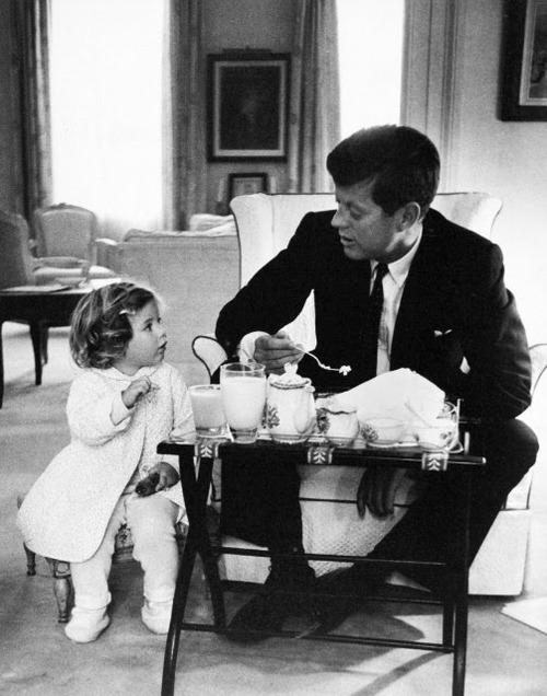 Caroline-Kennedy-and-John-F-Kennedy-having-a-tea-party