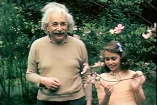 colour-photos-of-albert-einstein