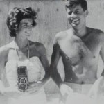 JFK-with-his-wife-relaxing-in-palm-beach