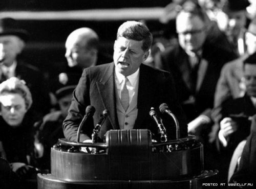 john-f-kennedy-giving-speech