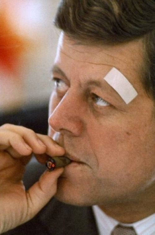 john-f-kennedy-smoking-cigars