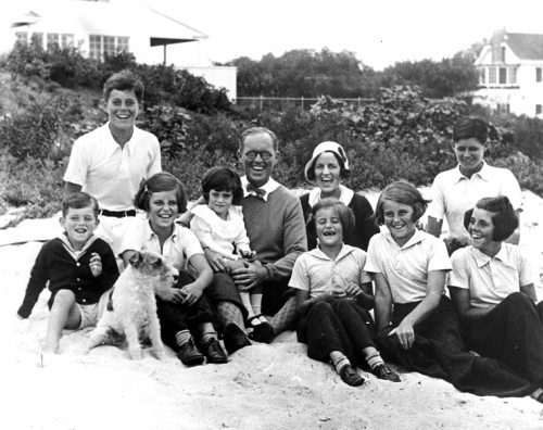 john-f-kennedy-with-his-family-at-15-years-of-age