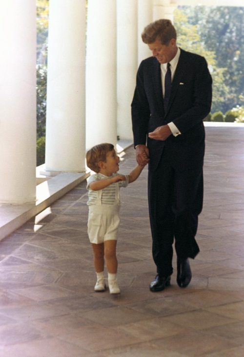 john-f-kennedy-with-son-john-in-white-house