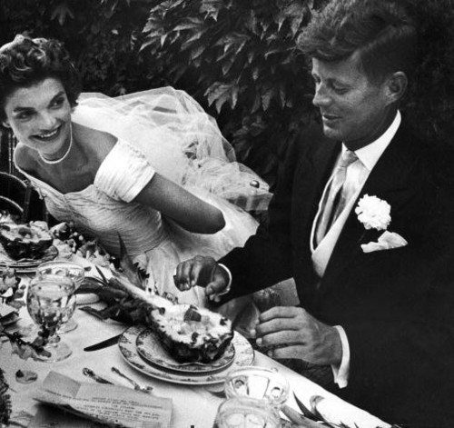 john-f-kennedy-with-wife-jackie-in-a-party