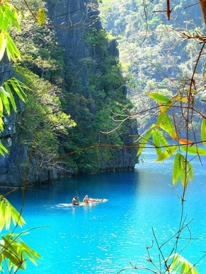 Turquoise-Paradise-Indonesia-beautiful-blue-water