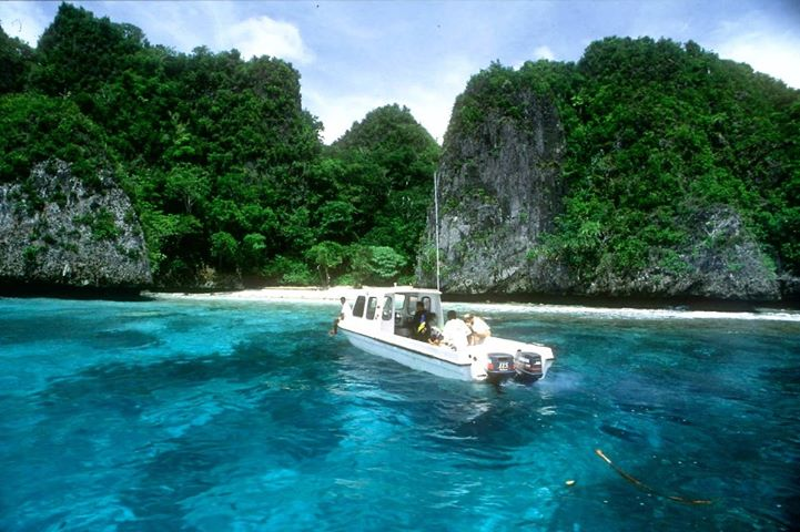 Turquoise-Paradise-Indonesia-boat-ride-for-25-minutes-from-airport