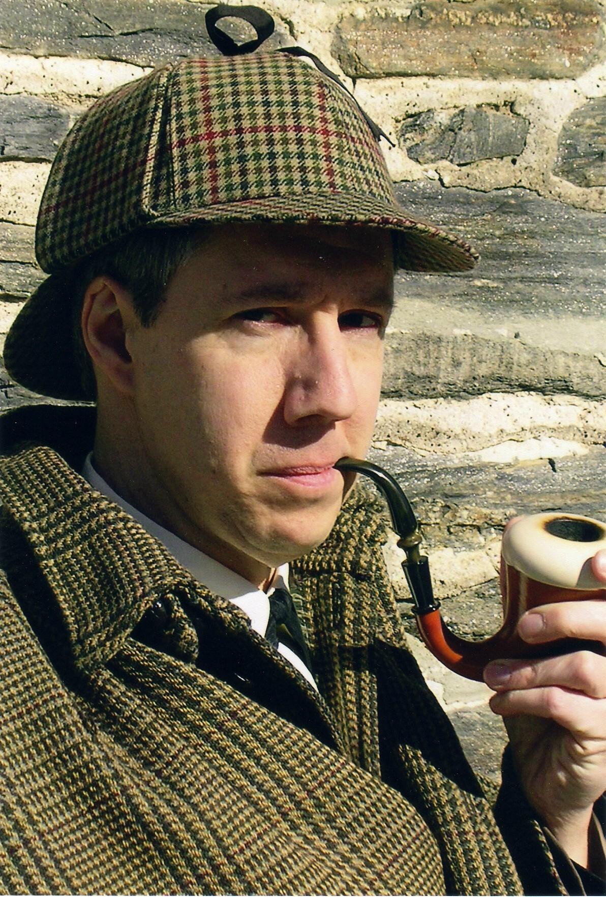 Sherlock-holmes-smoking-cigar