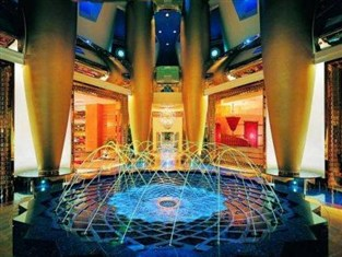 burj-al-arab-colourful-fountain-inside