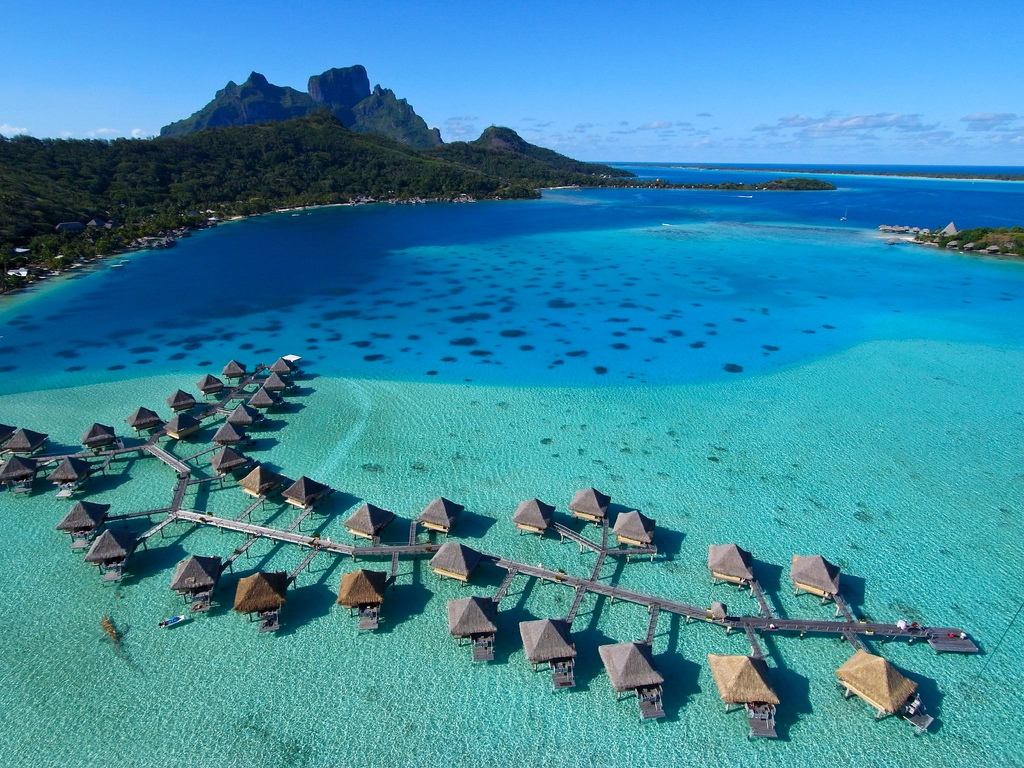 cottage-house-in-sea-bora-bora-island-must-visit-place-before-die