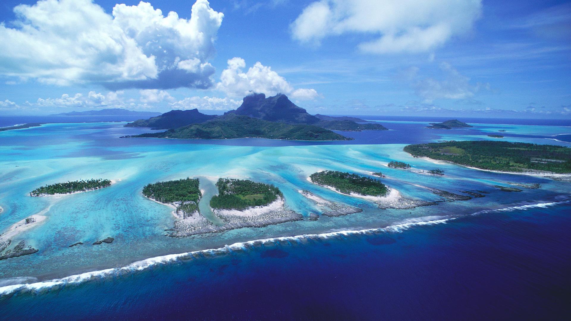 french-polynesia-bora-bora-islands-aerial-view