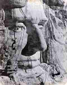 MOUNT-RUSHMORE-during-carving