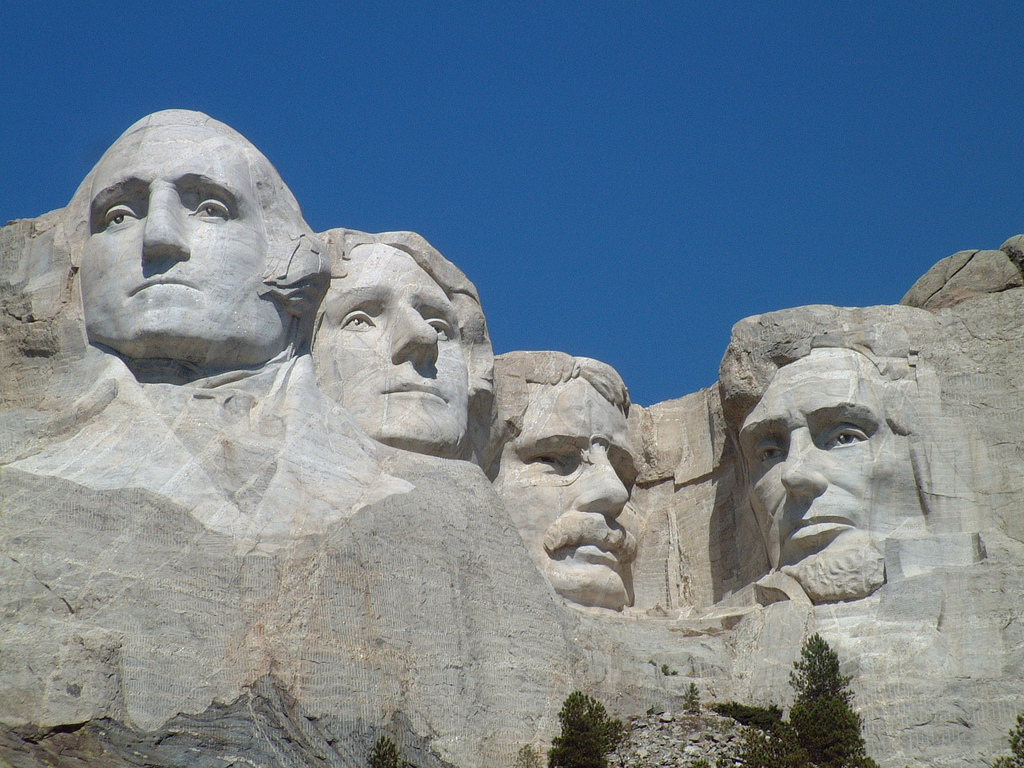 Mount-Rushmore-travel-attractions