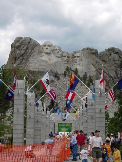 Mt-Rushmore-in-2008-december