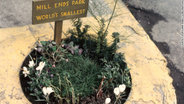 Smallest-Park-In-The-World-Mill-Ends-Park