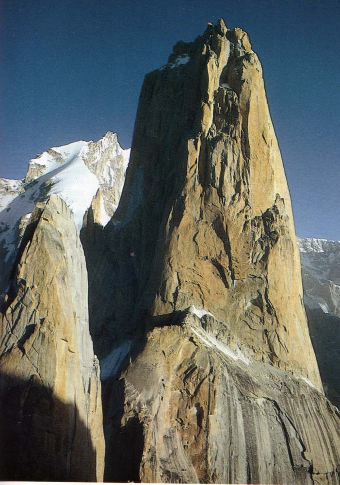 pakistan-trango-tower-2nd-highest-vertical-drop