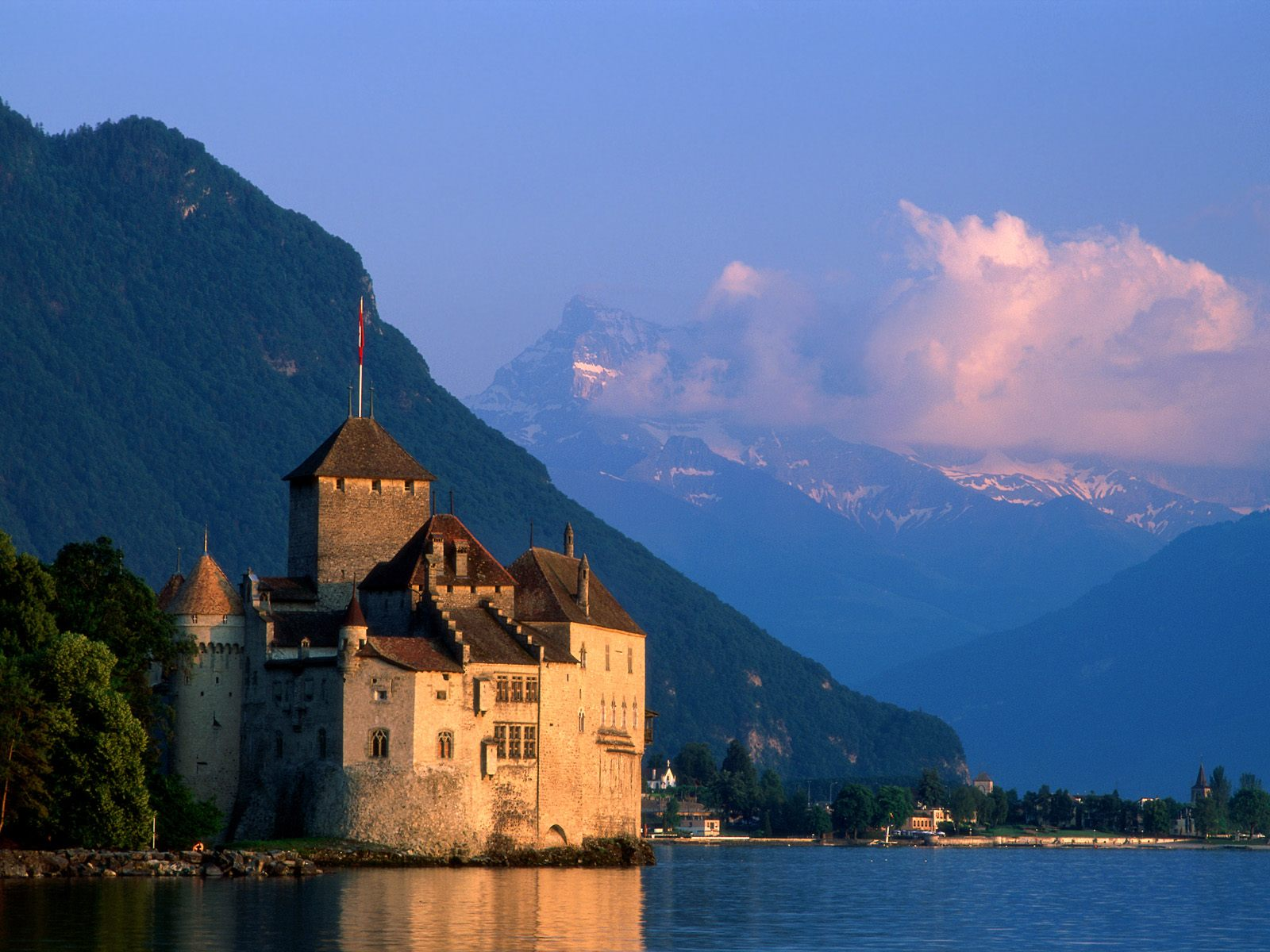 chillon-castle-near-lake-geneva