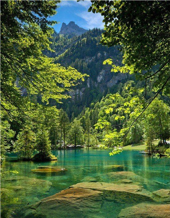Blue-Lake-of-Switzerland-one-of-the-favourite-tourist-place