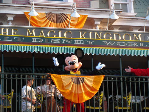 Mickey-Mouse-in-Magic-Kingdom-Park