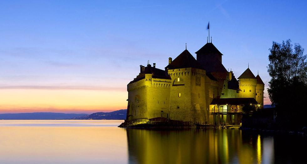 Chillon-Castle-in-evening