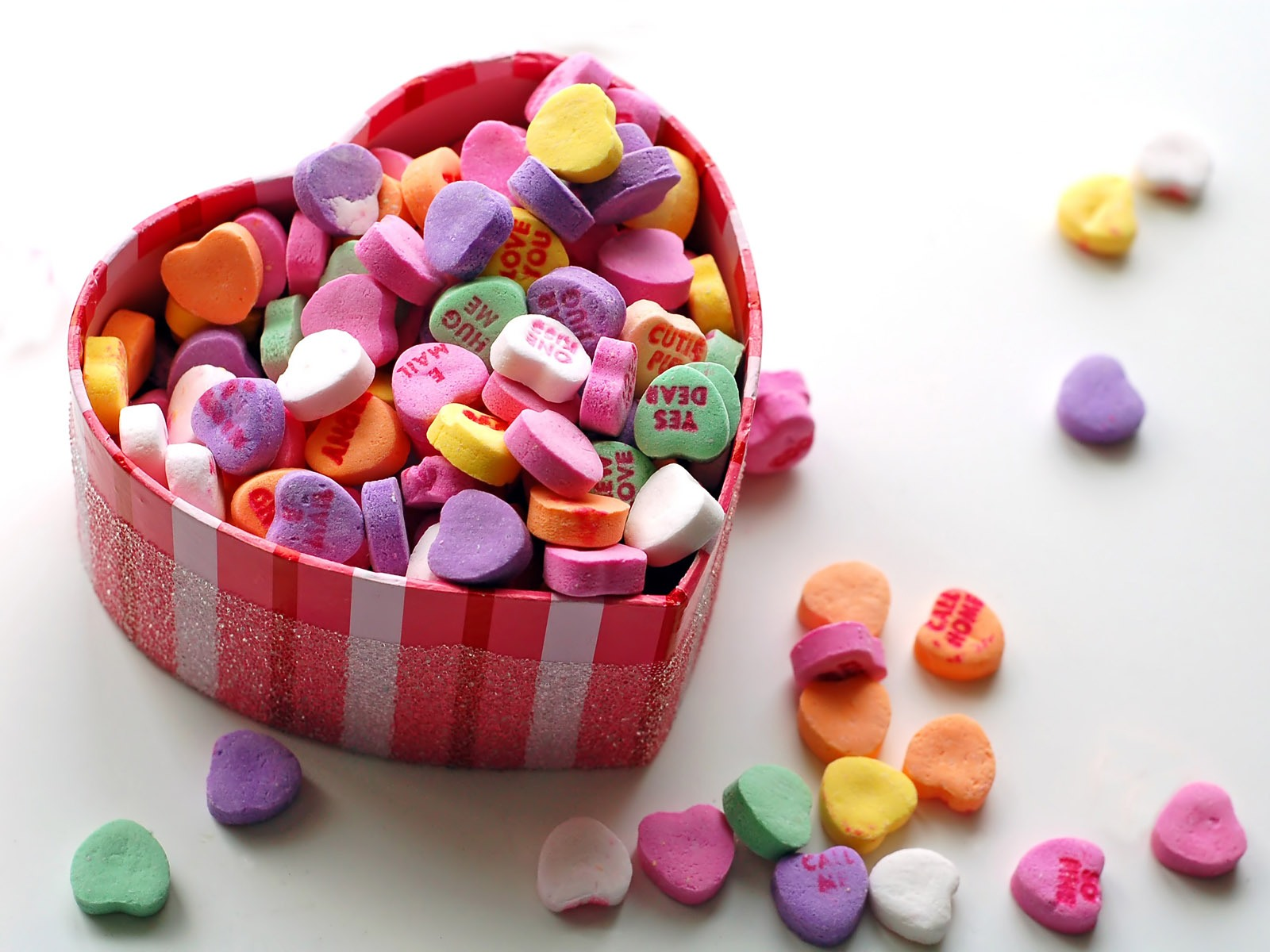 More-than-40-million -heart-shaped-chocolate-box