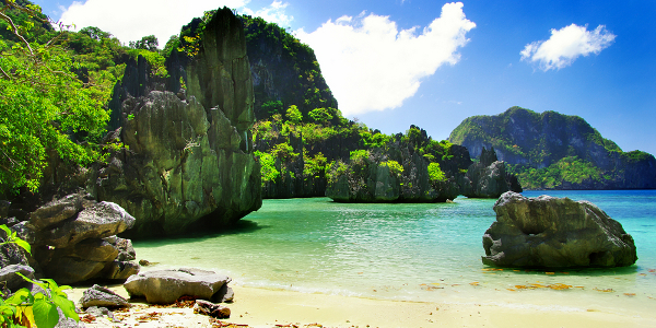 Palawan-island-famous-for-natural-seascapes-and-landscapes