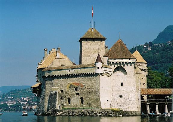 chillon-castle-Francois-de-Bonivard-confined-6-years-from-1530-1536