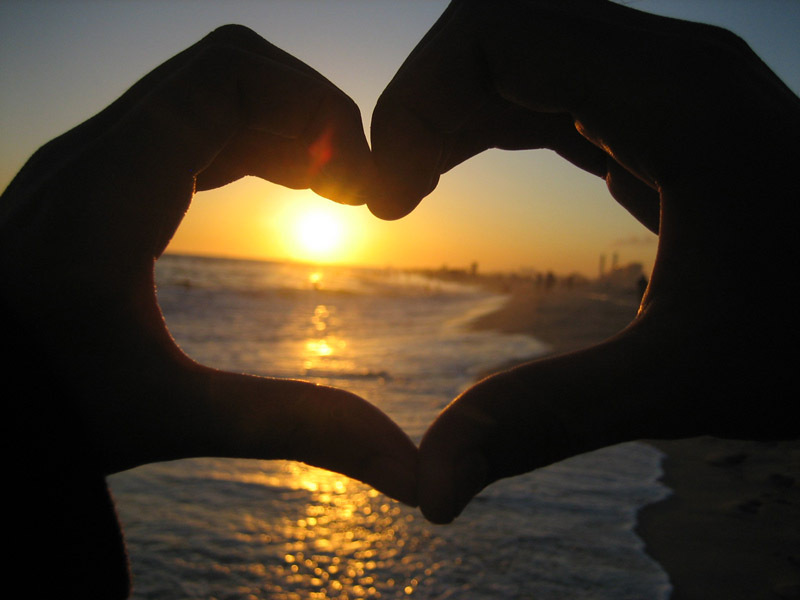 Love-sign-with-sunset