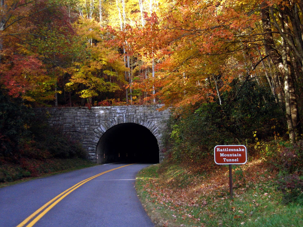 Rattlesnake-Mountain-Tunnel-Great-Smoky-Mountains-National-Park