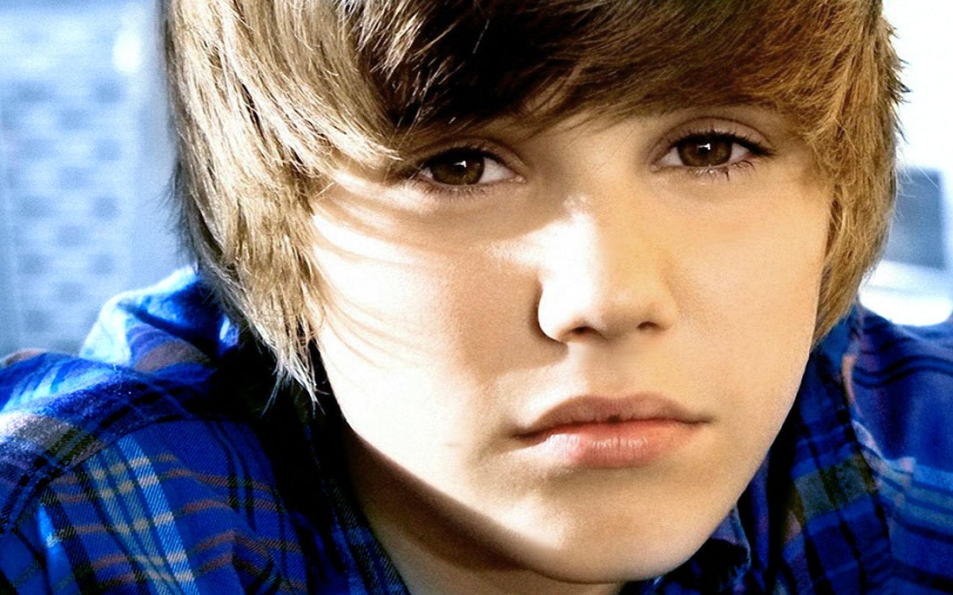 justin-bieber-teenage-celebrity