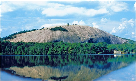 stone-mountain-quartz-monzonite-dome-monadock-located-Georgia-United States