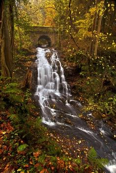 Kefalos-Bridge-in-autumn