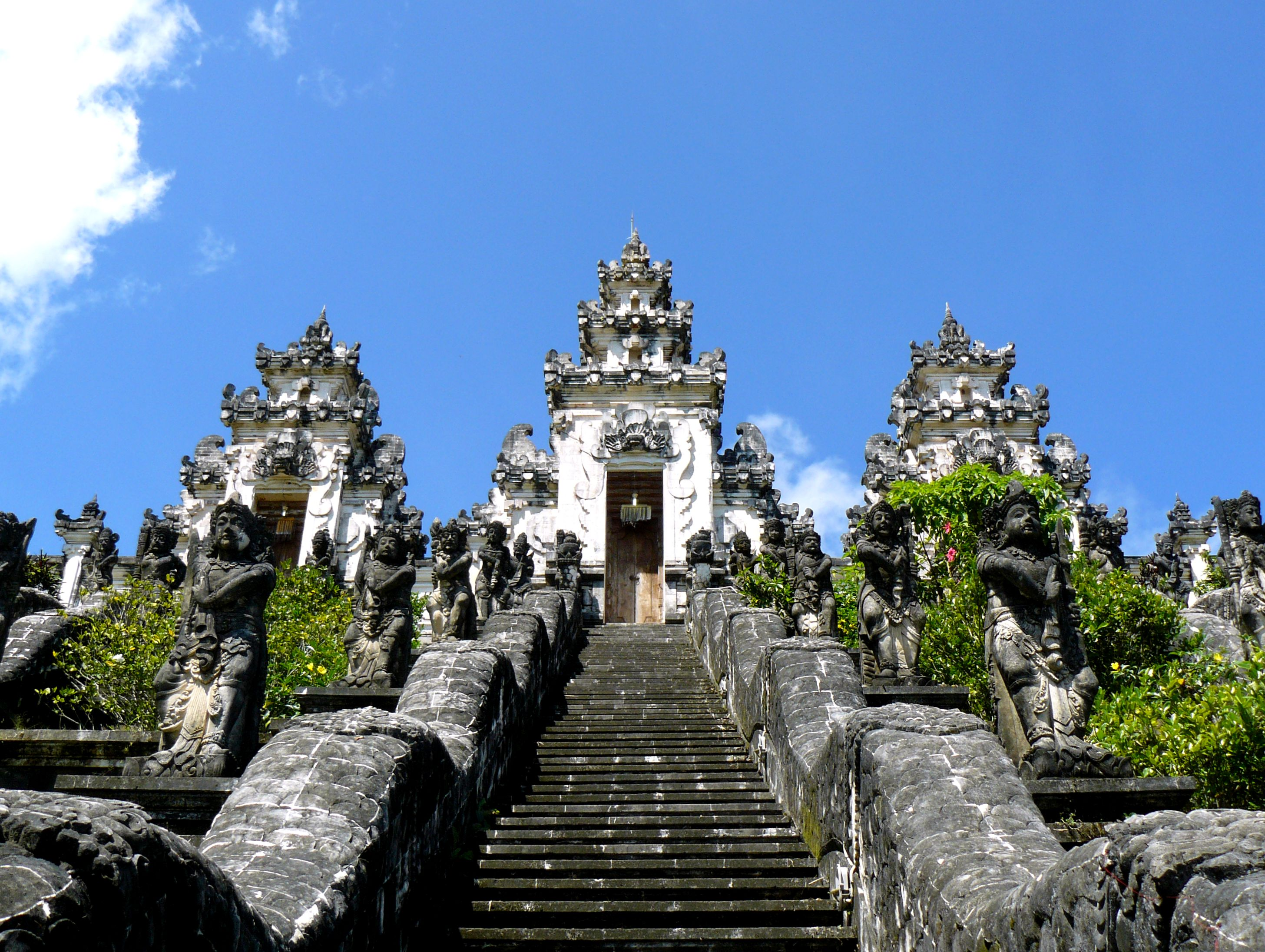 Pura-Lempuyang-in-Bali