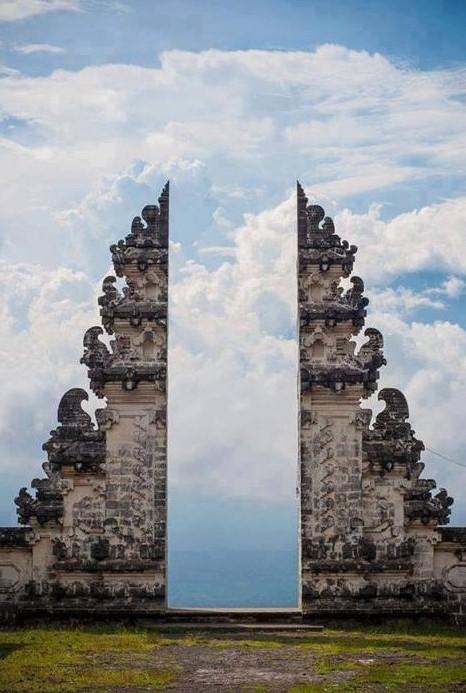pura-lempuyang-door